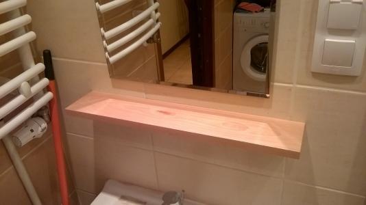 Bukowa półka łazienkowa