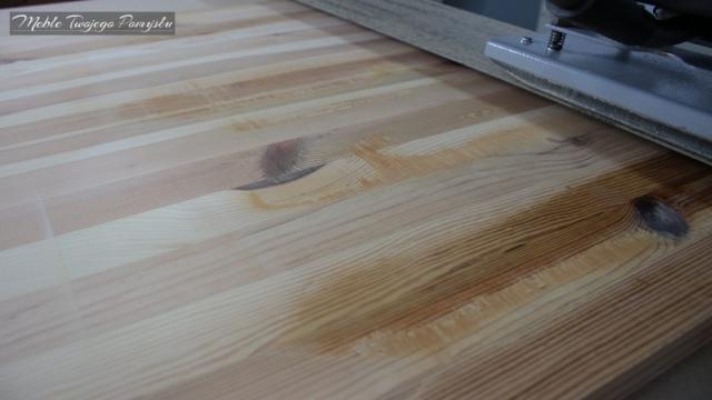 Renowacja starego stolika kawowegoBiurko ze starego stolika kawowego wyrówniarko grubościówka Felder AD741