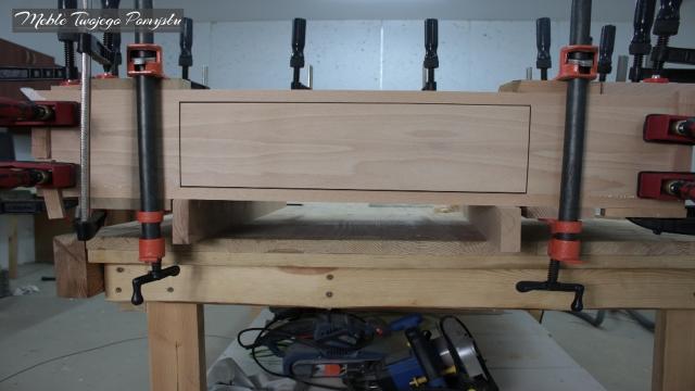 Front szuflady pasujący do boków