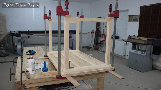 Renowacja starego stolika kawowego szlifierka długotaśmowa Felder FS722 Szlifierka krawędziowa KS150 ściski stolarskie