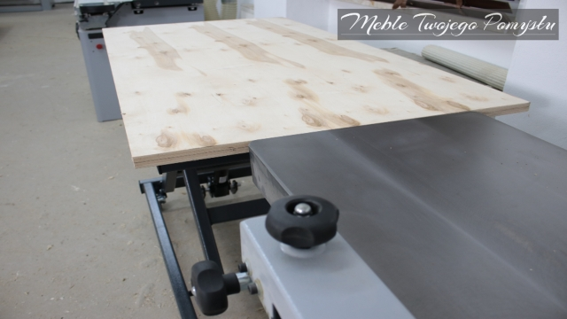 Montaż stołów roboczych Felder Fat 300 z regulacją wysokości blatu